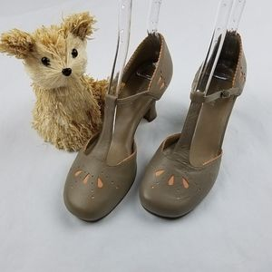 Naturalizer women's  leather platform pump heels